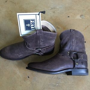 FRYE brown leather short ankle boots size 7